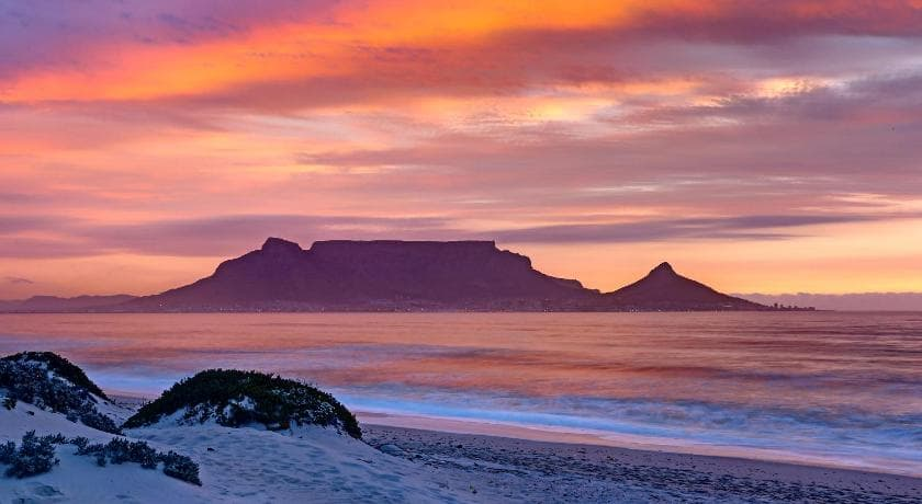 Bloubergstrand (Beaches in South Africa)
