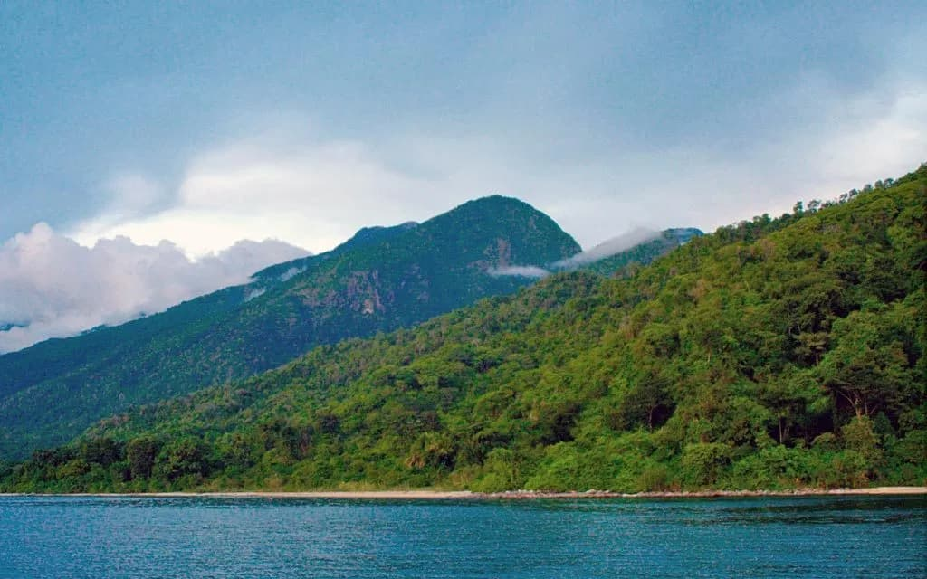 Mahale Mountains, National Park, Unique attraction in Tanzania