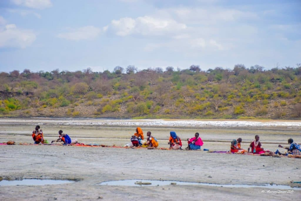 The Maasai Ladies Selling Artfacts at Lake Magadi (Mr. Muiruri)