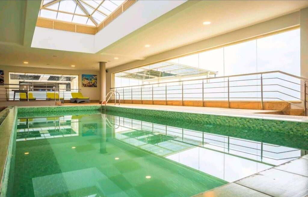 Best Western Executive Suites Heated Swimming Pool Image Courtesy