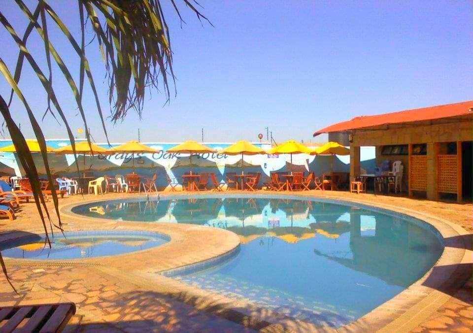 Pool at the Grays Oak Hotel