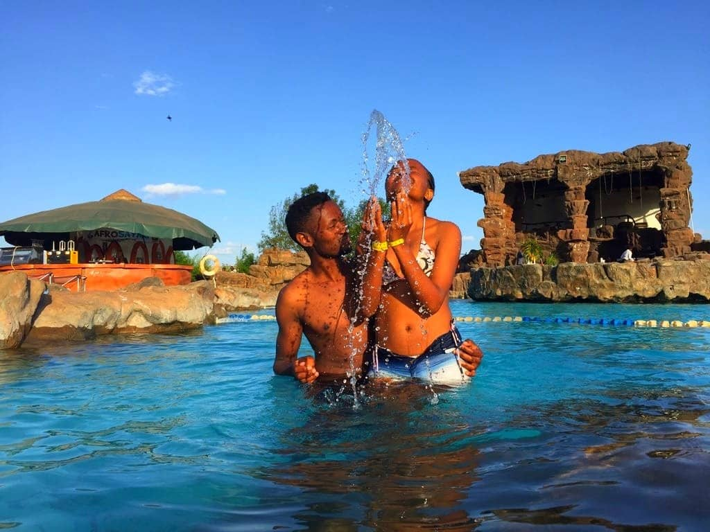 Staycation Ideas for Couples - Image by Christian Halisi Tours